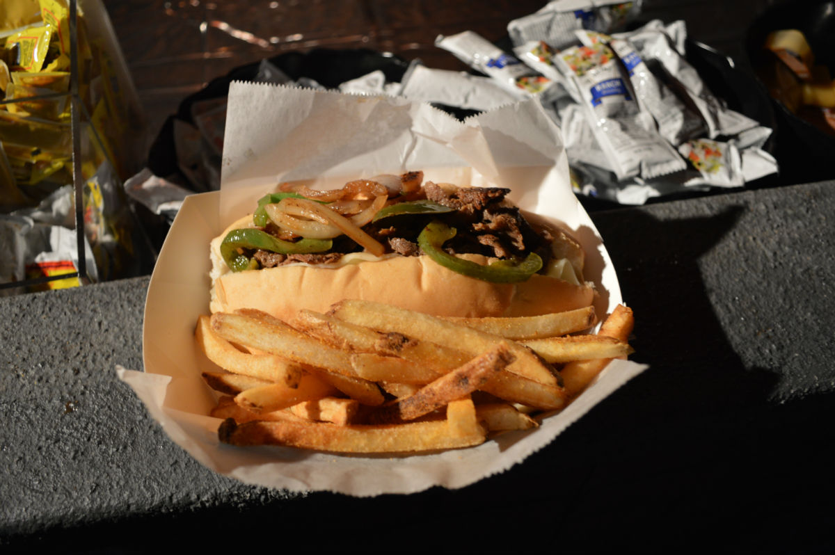 HHN_Snacks_Cheesesteak