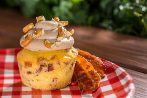 Piggylicious Bacon Cupcake with Maple Frosting and Pretzel Crunch ©Disney