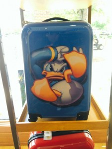 downtowndisney_luggage