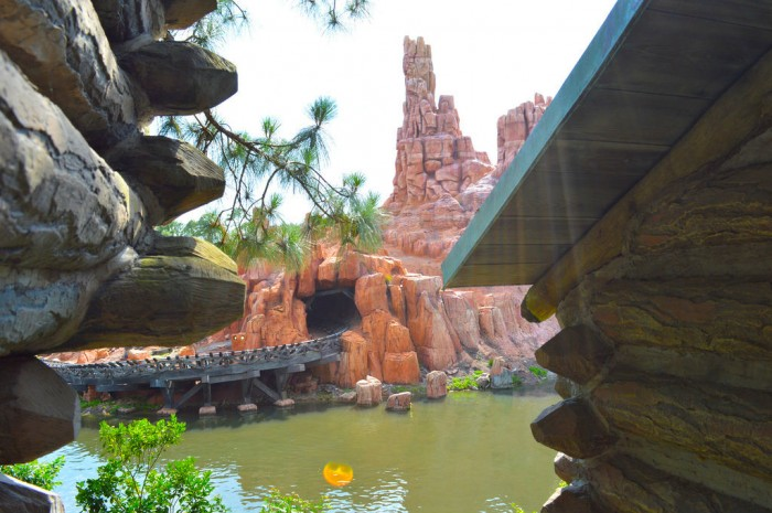 COASTERS_BigThunder_Glover
