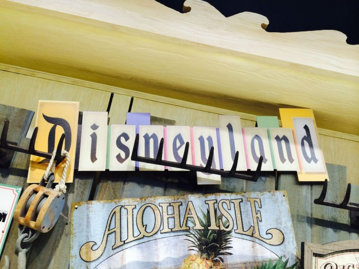 Disneylandsign