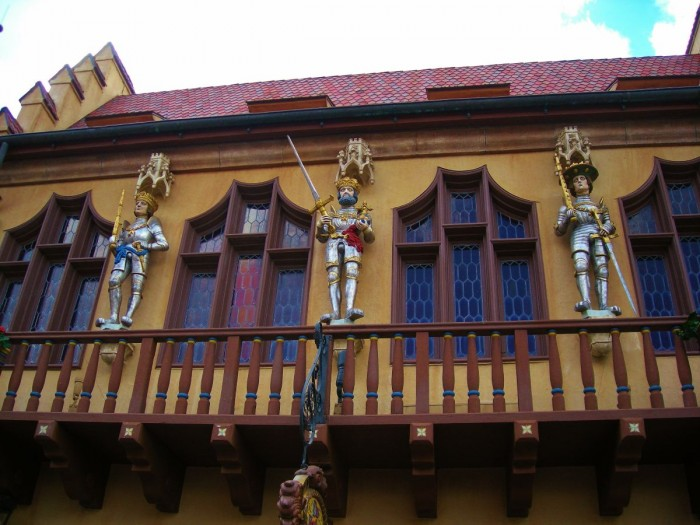 Three knights guard the pavilion's courtyard.