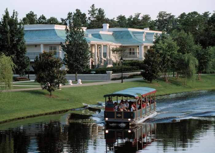 Port Orleans Riverside Boat to Downtown Disney ©Disney
