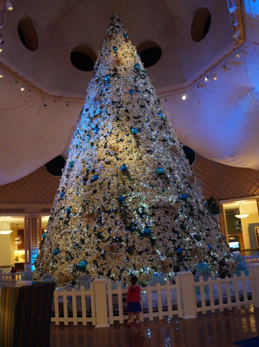 The tree at the Dolphin simply blew me away. (Photo by Julia Mascardo)