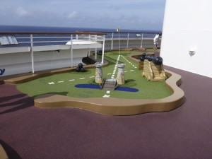 Play mini golf on the Dream and Fantasy.
