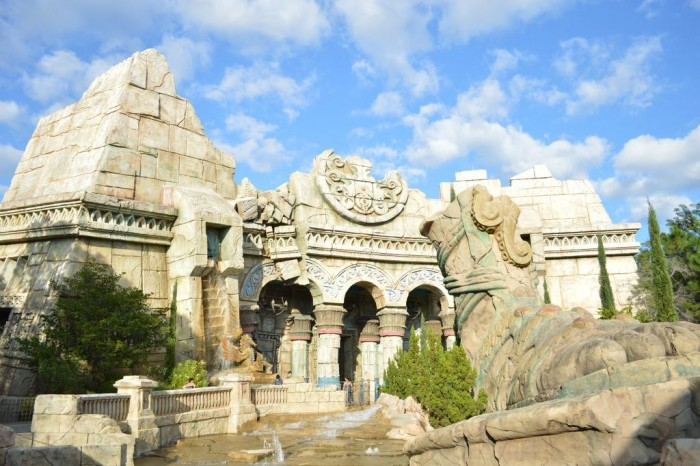 Poseidon's Fury's exterior, at Islands of Adventure