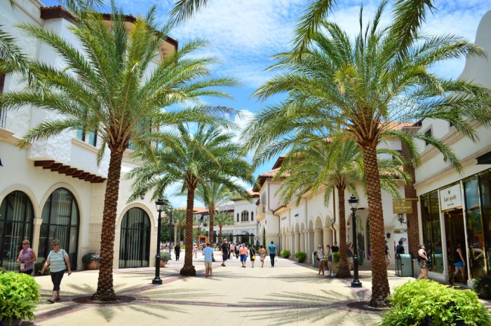 disneysprings2_glover