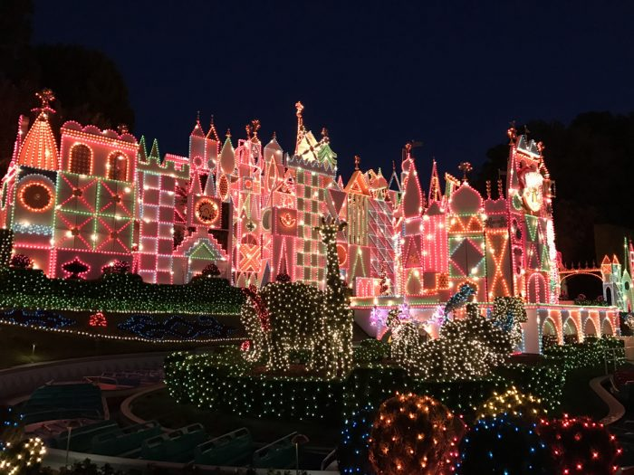 When Does Disneyland Decorate For Christmas.Photo Tour Of Christmas 2018 At Disneyland Resort
